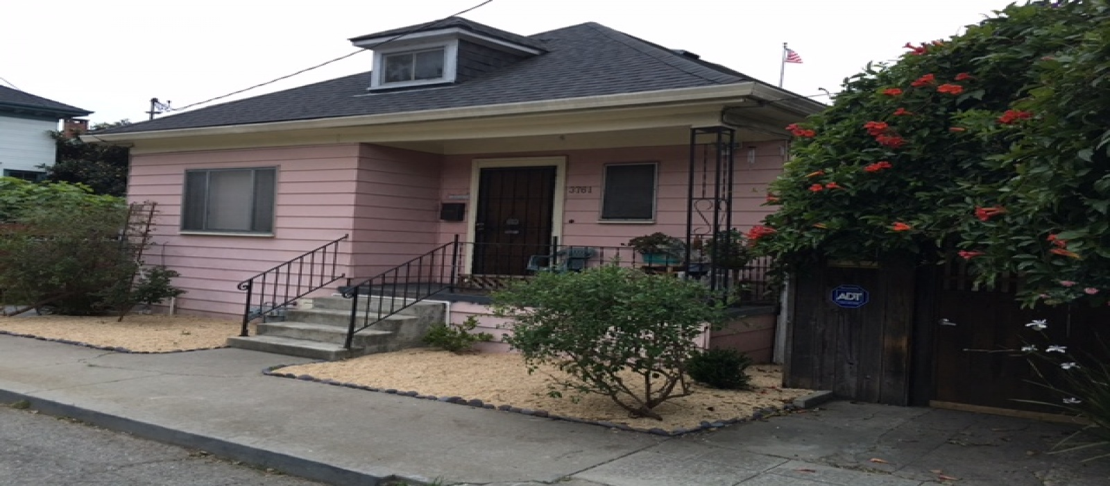 3761 Latimer Pl,Oakland,California 94609,2 Bedrooms Bedrooms,1 BathroomBathrooms,Single Family,Latimer,1021